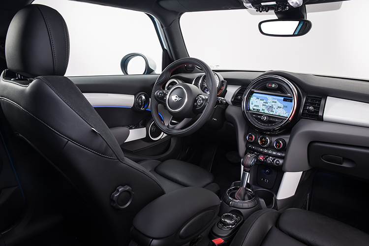 Mini 4 door hardtop interior