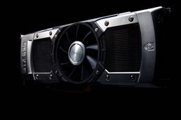새로운 지포스 GTX 690 은 일반 소비자용 그래픽 카드 중 가장 빠른 성능과 그에 어울리는 대담한 디자인을 선보인다