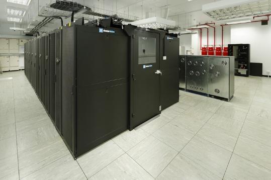 엔비디아 테슬라 GPU가 탑재된 영국 브리스톨 대학의 컴퓨팅 클러스터